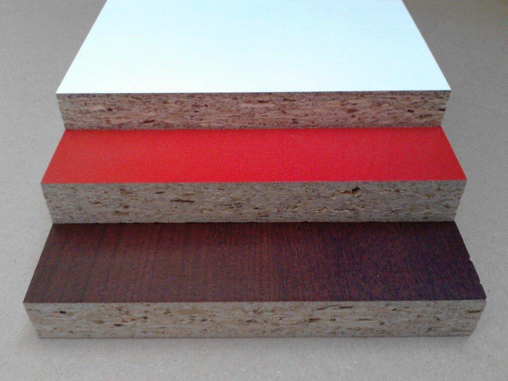 widok płyt laminowanych w różnych kolorach