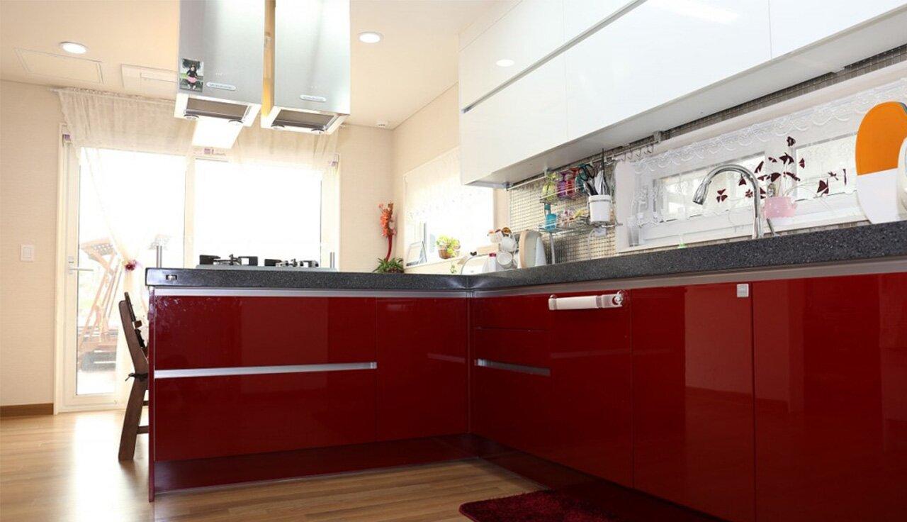 """""""kuchnia-na-wymiar-czerwona-lakierowana-design"""""""